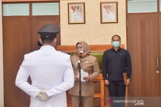 Bupati Bogor lantik pengganti kades yang baru menjabat tujuh jam