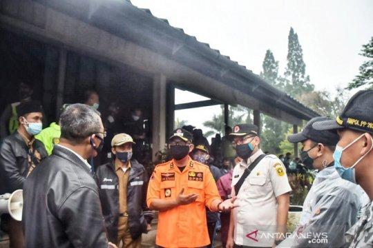 Korban banjir bandang di Puncak Bogor dilarang pulang