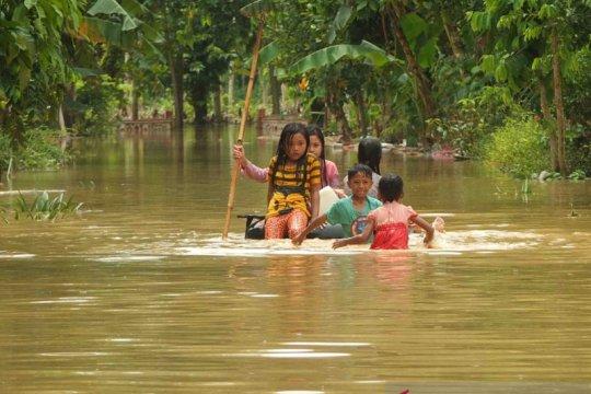 Dua desa di Jember diterjang banjir susulan