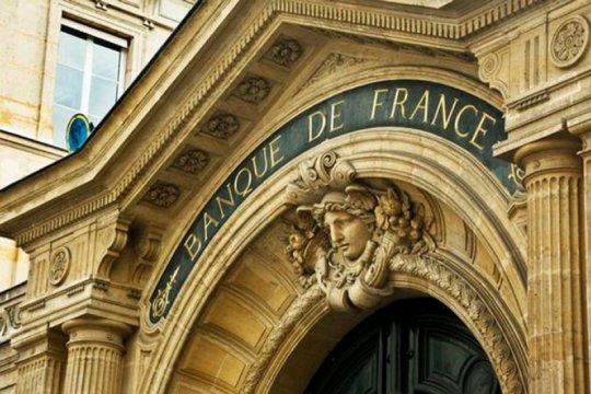Bank sentral Prancis keluar dari batu bara dan batasi investasi migas