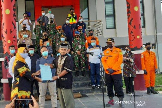 Bupati Mempawah berikan santunan korban Sriwijaya Air SJ-182