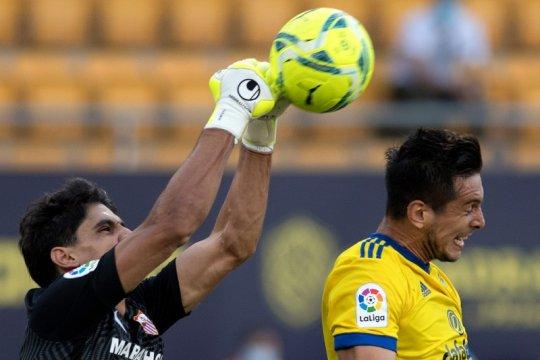 Bono angkat Sevilla ke posisi empat klasemen La Liga
