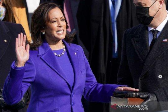 Kamala Harris dilantik perempuan pertama sebagai Wakil Presiden AS