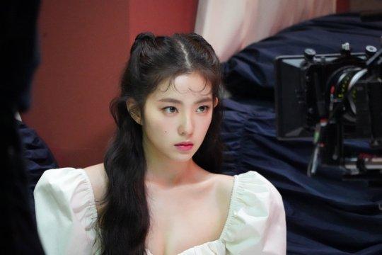 Irene Red Velvet bersiap debut di layar perak pada Februari