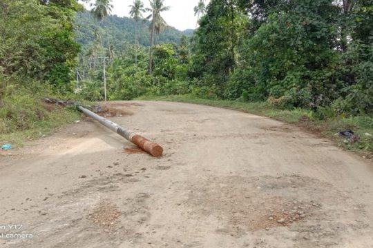 Terdampak banjir, PLN pulihkan 339 gardu distribusi di Halmahera Utara