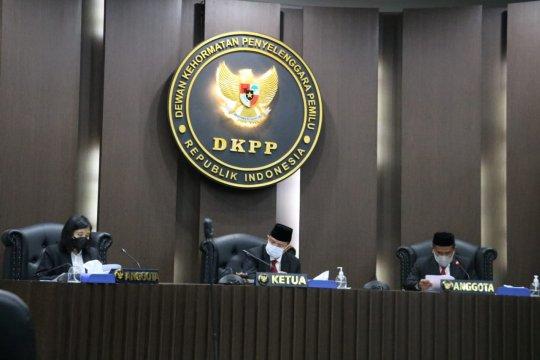 Sonimo Lani diberhentikan dari jabatan Ketua KPU Kabupaten Jayawijaya