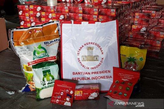 Bulog salurkan paket bantuan Presiden untuk korban banjir Kalsel