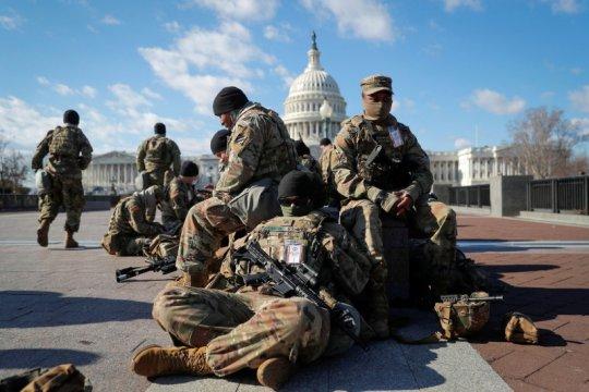 12 anggota Garda Nasional dibebastugaskan jaga pelantikan presiden AS