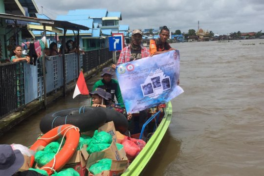 Kepala LLDIKTI XI apresiasi PTS Kalimantan bantu korban banjir