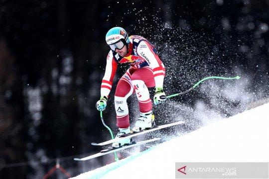 Aksi atlet ski di ajang Alpine Skiing Austria