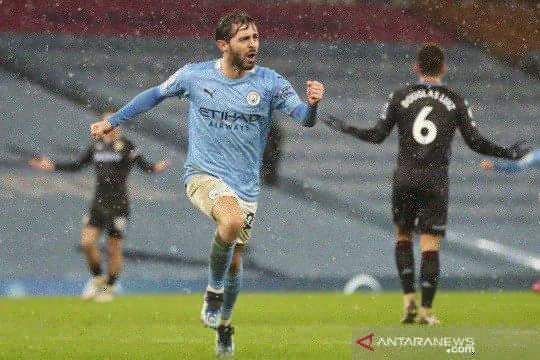 Manchester City rebut puncak klasemen seusai bungkam Aston Villa 2-0