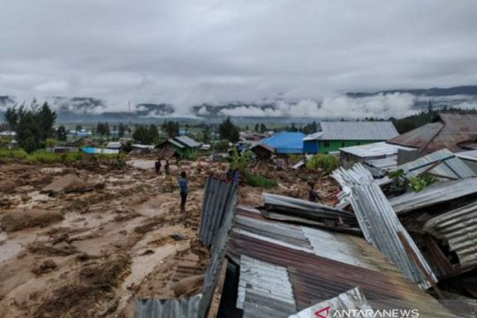 BBMKG Jayapura sebut kondisi tanah labil picu banjir bandang Paniai
