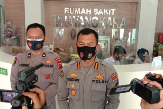 Polisi tutup GOR Haji Agus Salim Padang cegah penyebaran COVID-19