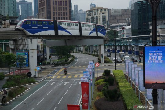 Penumpang transportasi umum di Malaysia menurun saat PKP 2