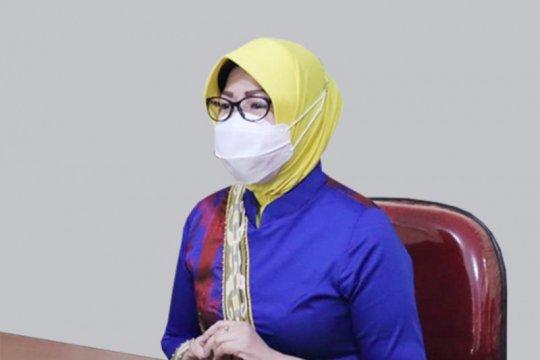 Dekranasda Kalbar gandeng desainer nasional kembangkan tenun sidan