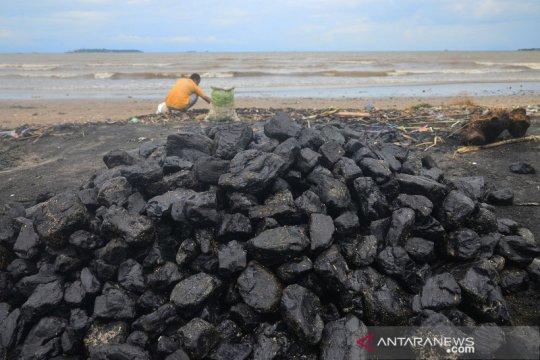 Pantai di Jepara tercemar batu bara