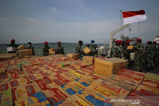 KRI Oswald Siahaan-354 angkut bantuan bagi korban gempa di Sulbar