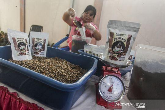 Produksi kopi khas Dayak di Palangkaraya