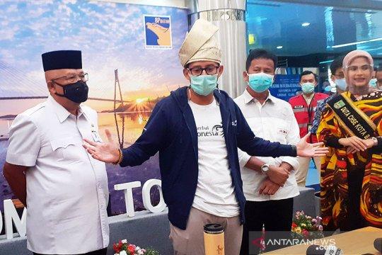 Sandiaga Uno kunjungi Batam, tinjau protokol kesehatan dan pariwisata