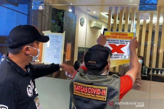 Langgar prokes saat PPKM, Satgas COVID-19 segel 13 RHU di Surabaya