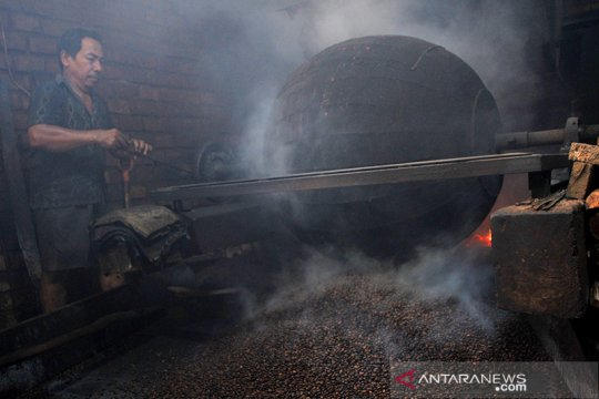 Sumatera Selatan bangun pabrik pengolahan kopi