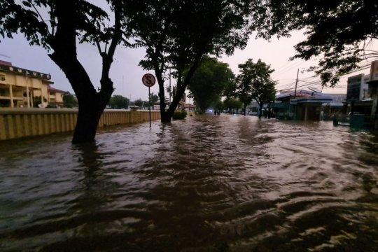 BPBD sebut banjir Manado sebabkan tiga warga meninggal, satu hilang