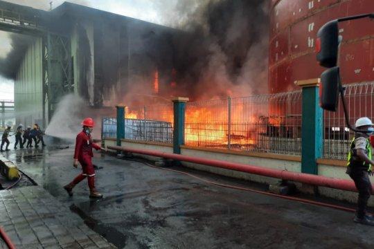 Gudang CPO di Teluk Bayur terbakar, 120 personel damkar dikerahkan