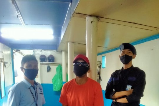 "Pencuri ""hand sanitizer"" di bus TransJakarta ditangkap"