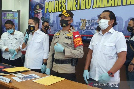 Polisi masih memeriksa pelaku kasus tindak asusila di Halte SMKN 34