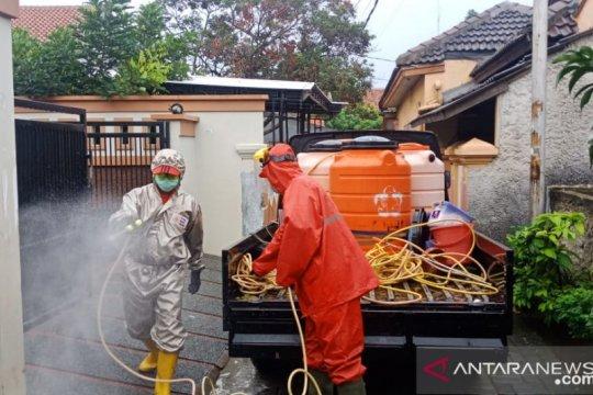 PMI: Penyemprotan disinfektan difokuskan objek kerap disentuh warga