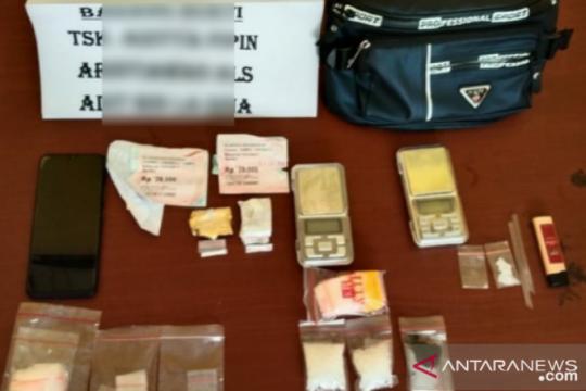Polisi tangkap mahasiswa diduga edarkan sabu-sabu di Muna