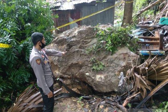Ratusan warga di Kota Kupang dievakuasi hindari longsor