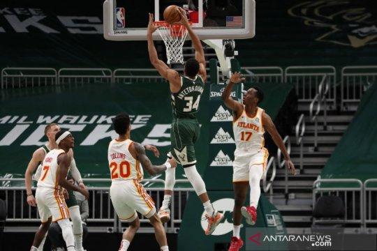 Giannis Antetokounmpo cetak sejarah saat Bucks menang atas Hawks