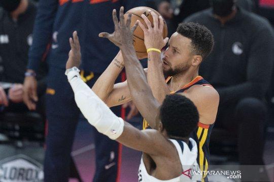 Stephen Curry pimpin Warriors tundukkan Spurs