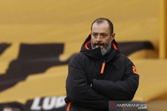 Nuno Santo tegaskan Wolverhampton berusaha keras ubah peruntungan