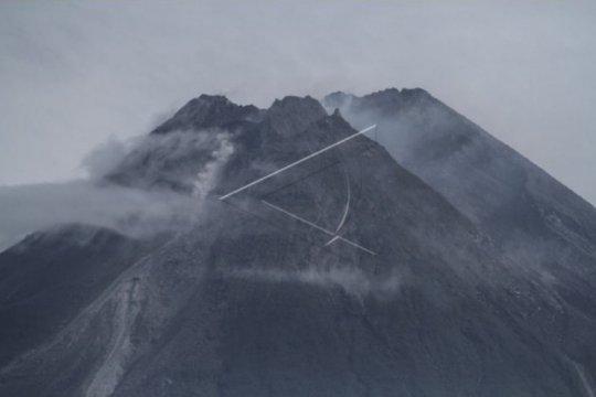 Awan panas guguran Merapi meluncur 1.000 meter