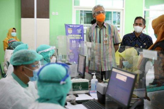 Ganjar optimistis vaksinasi tahap pertama nakes selesai lebih cepat