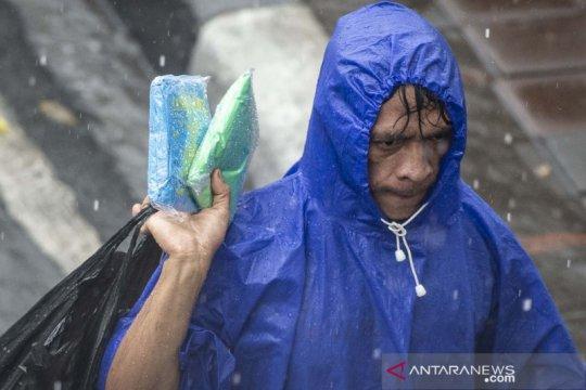 Cuaca Jakarta Jumat diperkirakan hujan disertai petir