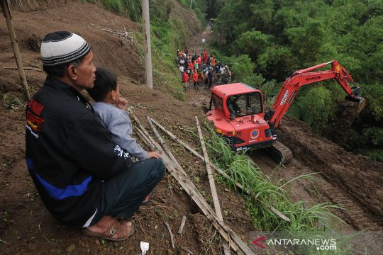 Bencana tanah longsor di lereng Gunung Merapi