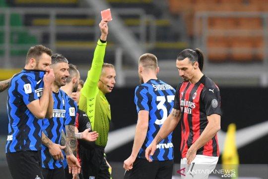 Zlatan Ibrahimovic minta maaf atas kartu merahnya di derbi Milan