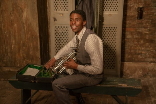 Chadwick Boseman dianugerahi penghargaan untuk film terakhirnya