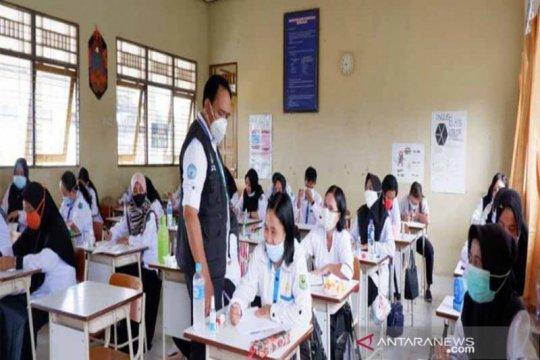 3.544 guru kontrak di Kapuas ikuti uji kompetensi