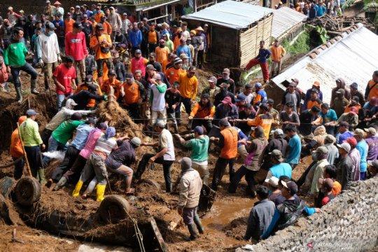 Tanah longsor di lereng Gunung Sumbing, dua rumah hancur