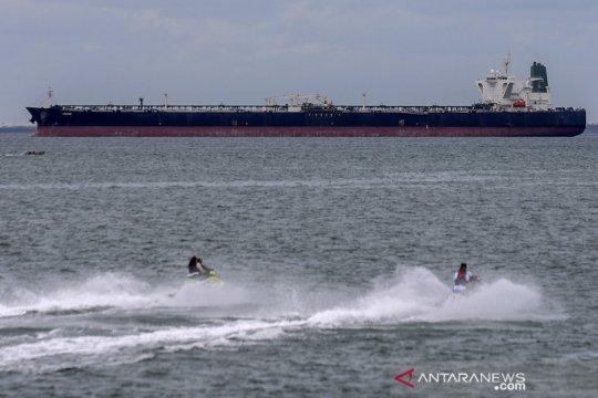 Kapal tanker MR Horse dan MT Freya dibawa ke Batam