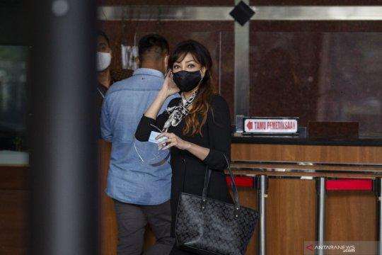 Edhy Prabowo mengaku istrinya tak ketahui kasus izin ekspor benur
