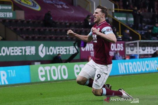 Burnley lanjutkan tren positif saat jungkalkan Aston Villa