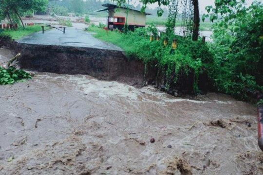 Wamen PUPR cek infrastruktur di lokasi banjir Halut