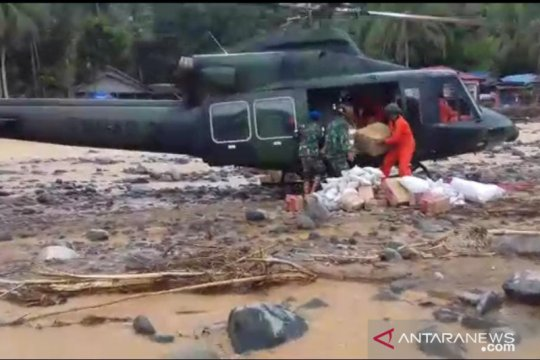 Helikopter TNI AD pasok bantuan Kasad ke Datar Ajab Kalsel