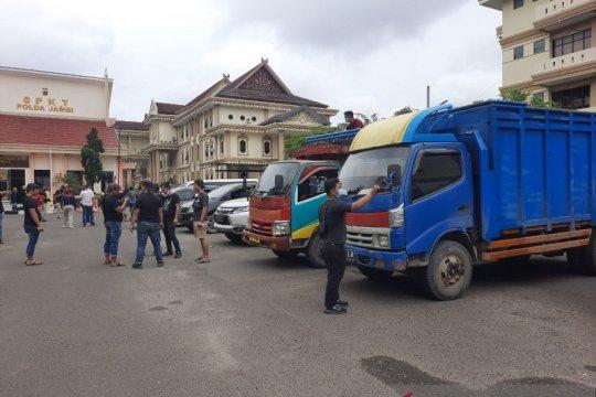 Resmob Polda Jambi gagalkan pengiriman 12 ton minyak mentah ke Sumsel