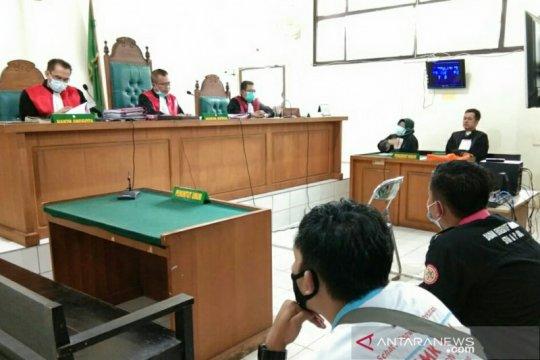 Lima mahasiswa pengunjuk rasa omnibus law divonis 10 bulan percobaan